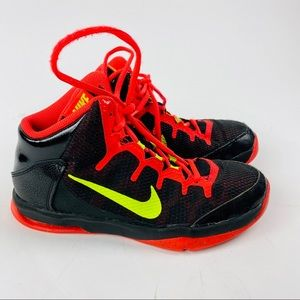 Nike Air Without A Doubt GS Basketball Shoes 5.5Y